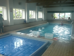 usage of neighbouring heated indoor pool