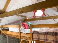 Beach Hut bed