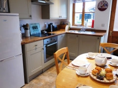 Well equipped kitchen for self-catering
